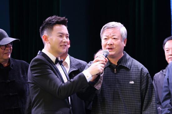 采访河南省文联原正厅级巡视员王洪应(照片排序3).jpg