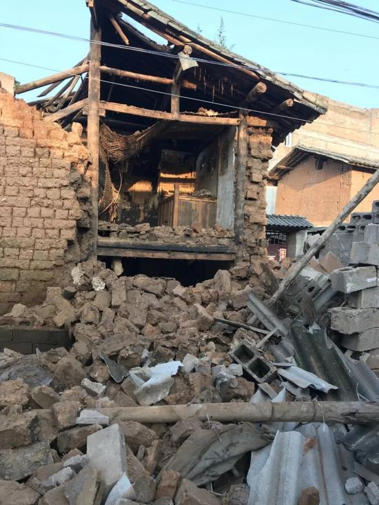 云南通海发生地震,这张图却温暖了整个朋友圈