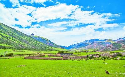 青海省玉树藏族自治州巴艾涌地质公园风光.光明图片/视觉中国